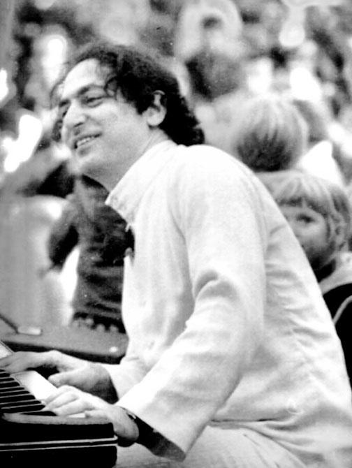 William Mathieu - Sufi Choir Performance - 1973